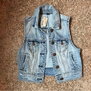 NWT! american eagle denim vest | xs